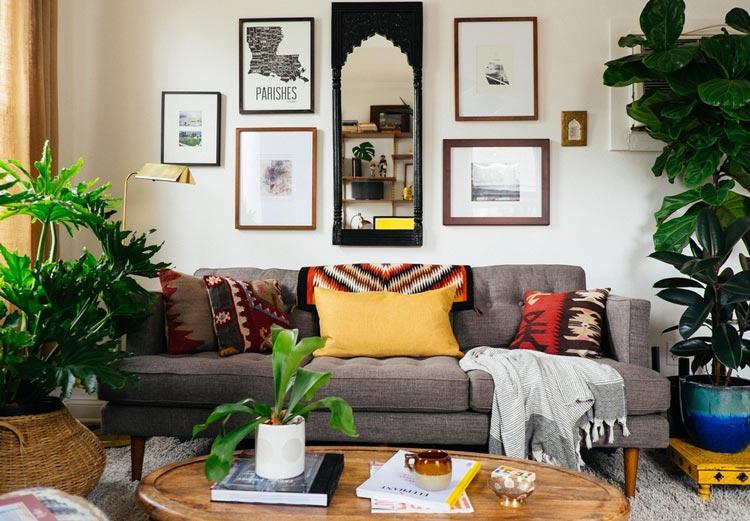 Mẫu phòng khách trang trí với cây xanh