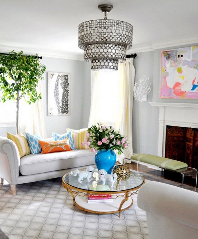 Giỏ cây treo cũng là một gợi ý không tồi khi bạn muốn mang cây xanh vào không gian phòng khách gia đình